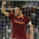 ROMA-GENOA 3-1 – Il solito Totti segna e trascina. Terzo posto a -5